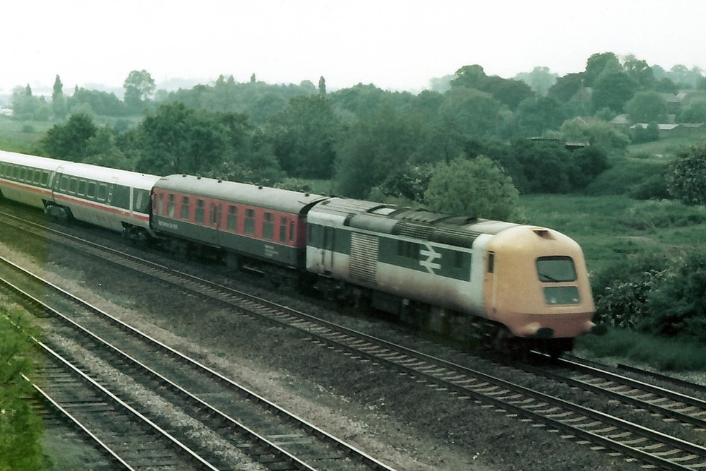 Prototype HST towing TR4 at Clay Cross 12 June 1979 © Tony Lower